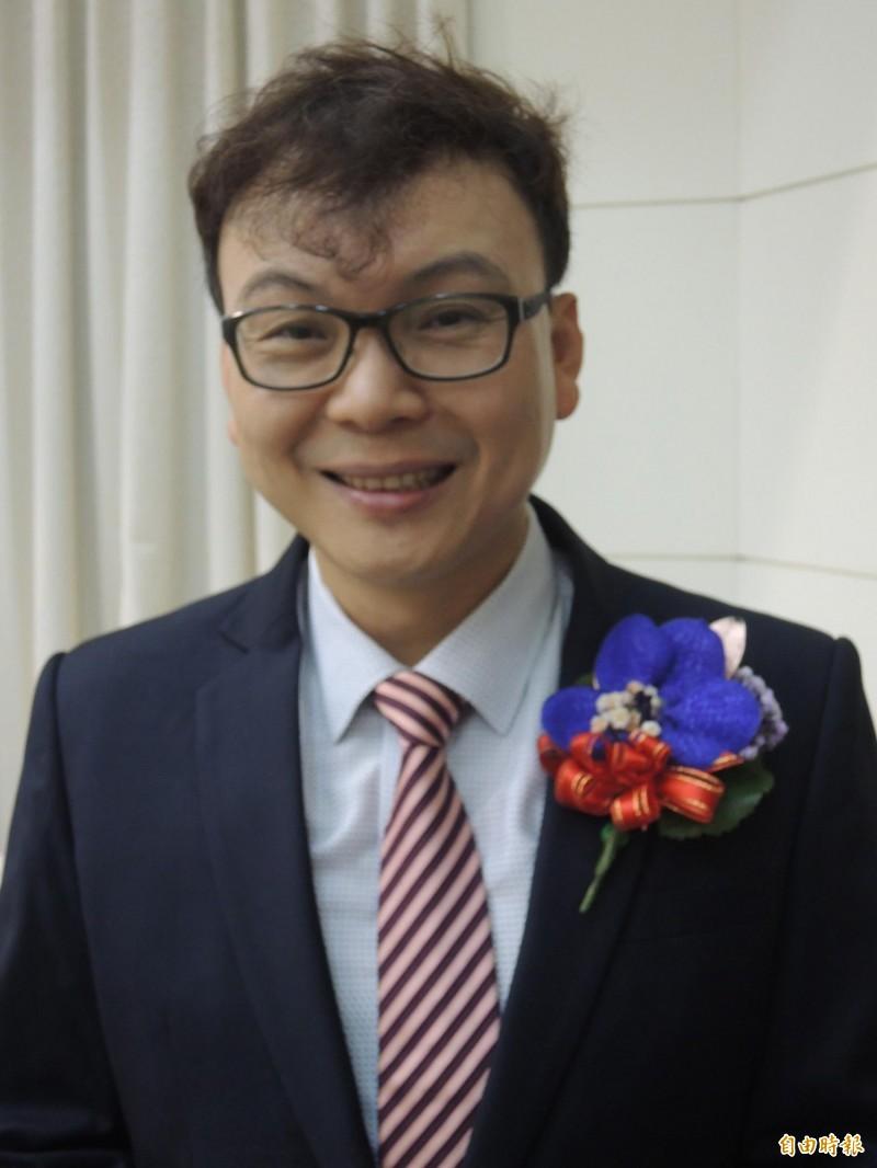 國民黨新竹市黨部將進行立委選舉徵召民調作業,包括新竹市議員鄭正鈐是參與民調的人選之一。(記者洪美秀攝)
