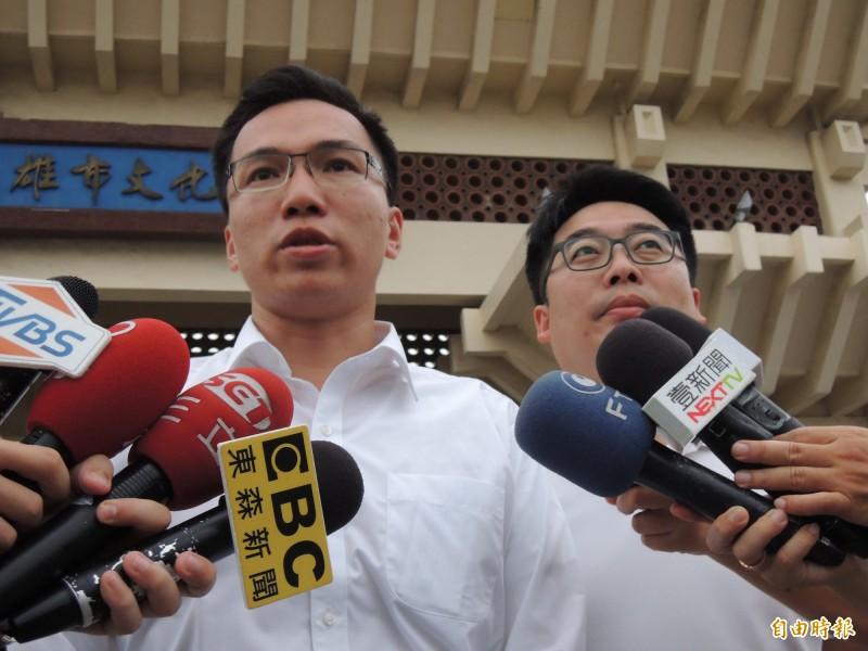 民進黨高市議員林智鴻與邱俊憲。(記者王榮祥攝)