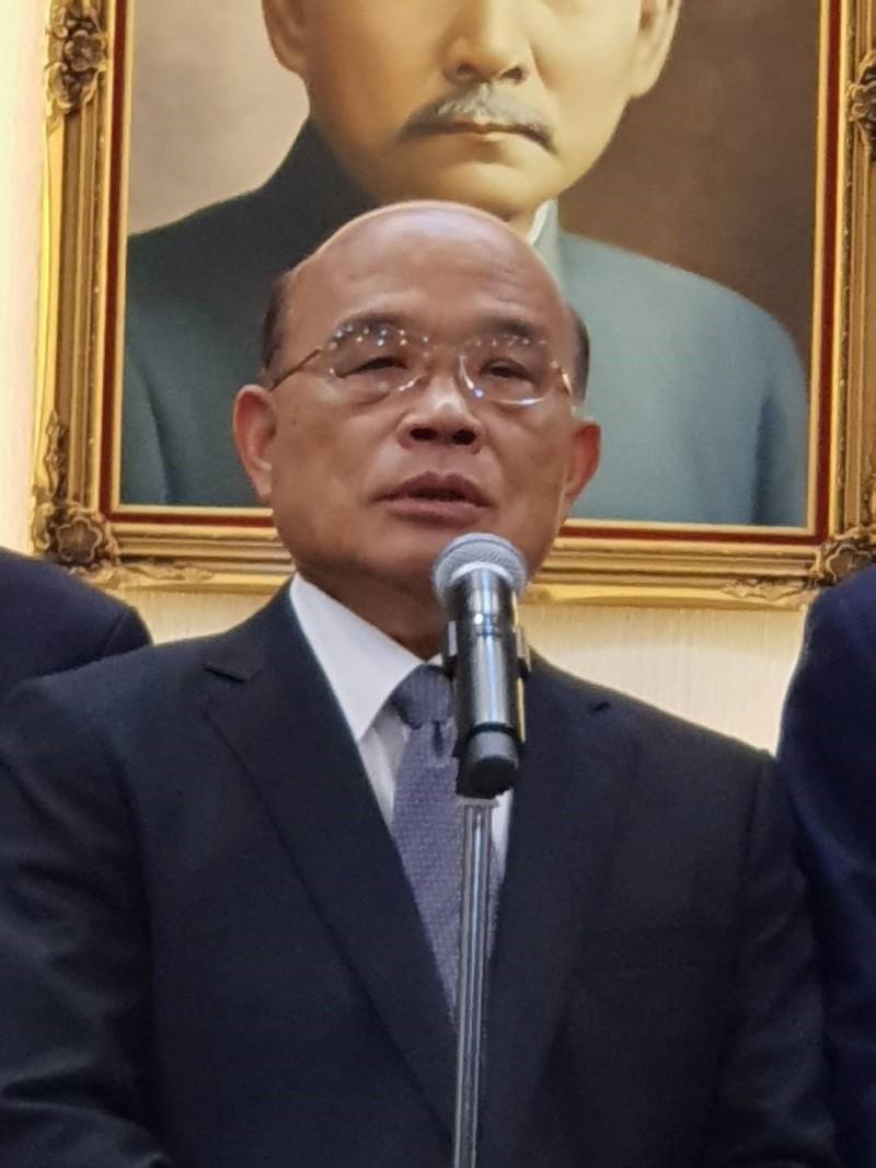 行政院科技會報辦公室向行政院長蘇貞昌報告「台灣5G行動計畫」。(資料照)