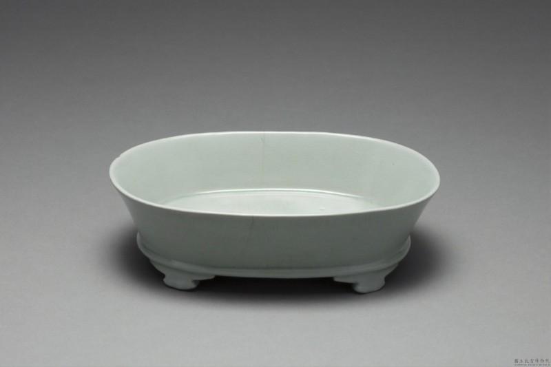 北宋汝窯青瓷水仙盆。 (故宮南院提供)