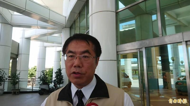 台南市長黃偉哲今受訪表示,支持民進黨初選得勝的蔡英文總統競選連任無懸念。(記者洪瑞琴攝)