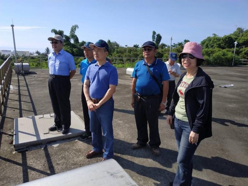 水公司董事長視察東港、琉球 確保暑假供水穩定