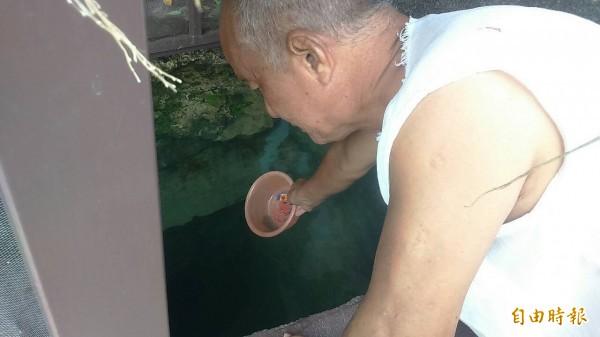 小琉球華山代天宮的水井在颱風催殘後仍持續供水。(資料照,記者陳彥廷攝)