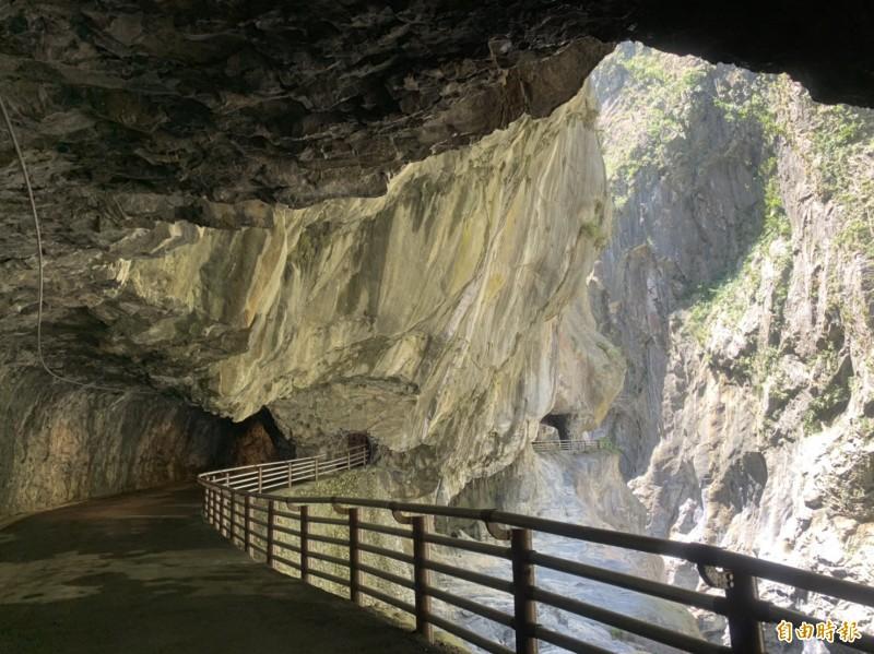 九曲洞步道景觀優美。(記者王峻祺攝)