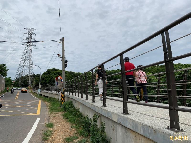桃11稜線步道啟用,並命名為虎嶺迎風步道。(記者謝武雄攝)