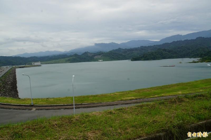 湖山水庫完工後首度滿水位,蓄水量超過5000萬噸。(記者詹士弘攝)