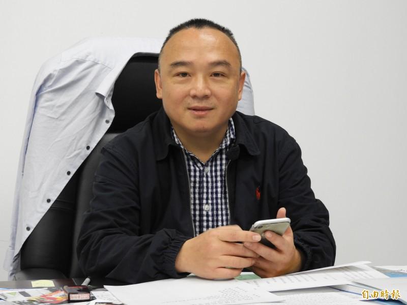 「高雄小三通」風波,潘恒旭強調有請事假1小時,並坦承市長韓國瑜知道他要參加這個活動。(記者葛祐豪攝)