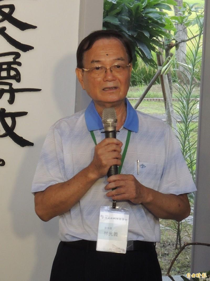 陳定南教育基金會董事長林光義,呼籲鄉親支持蔡英文,力保本土政權。(記者江志雄攝)
