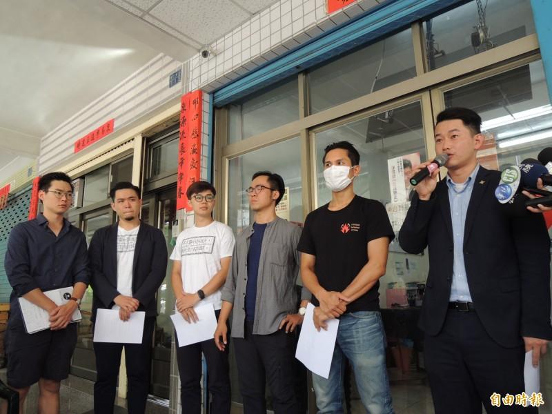 台灣基進黨、公民割草行動,上午宣布罷韓連署第一階段近乎達標。(記者王榮祥攝)