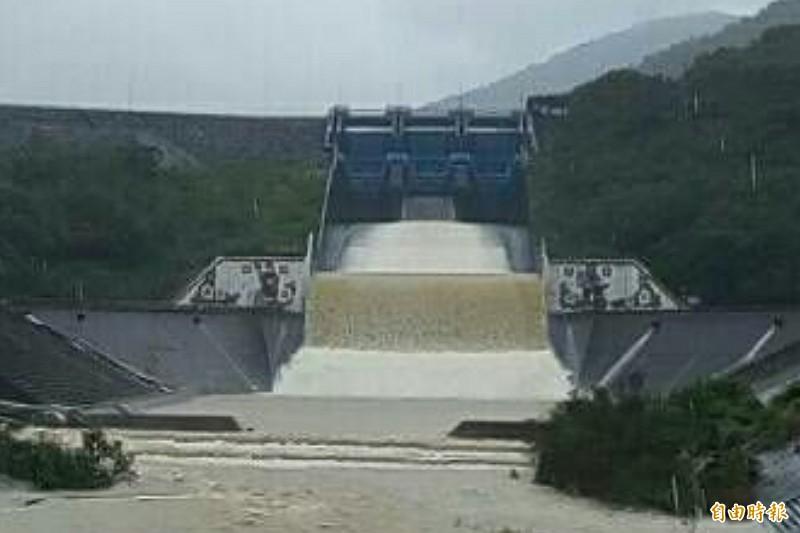 屏南雨勢不斷,牡丹水庫今晚8點起調節放水。(資料照,記者蔡宗憲攝)