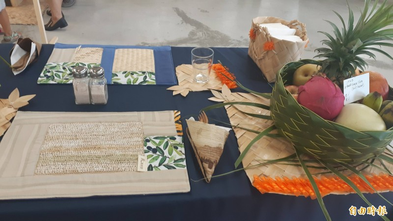 南島餐桌。(記者黃明堂攝)