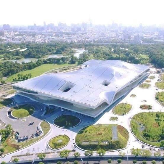 衛武營國家藝術文化中心奪2019 A+Awards建築獎三大殊榮,替台灣在國際舞台發聲。(衛武營提供)