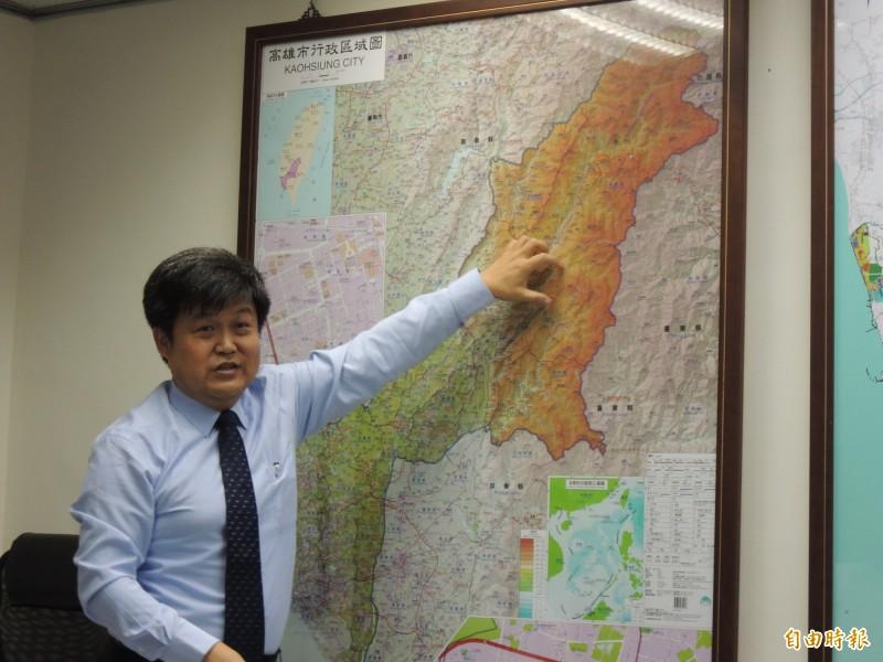 高市都發局長林裕益,說明高雄市國土規劃概況。(記者王榮祥攝)