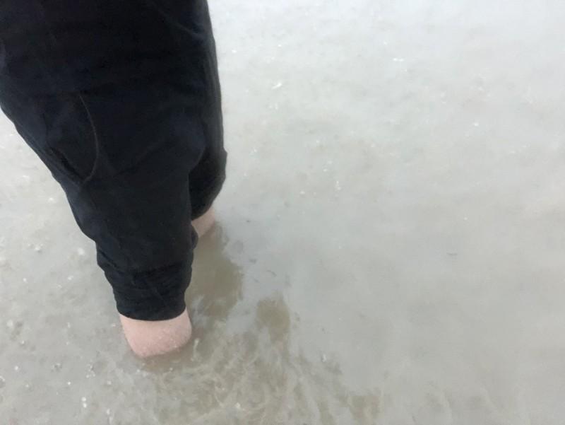 高雄積水嚴重。(記者洪臣宏翻攝)