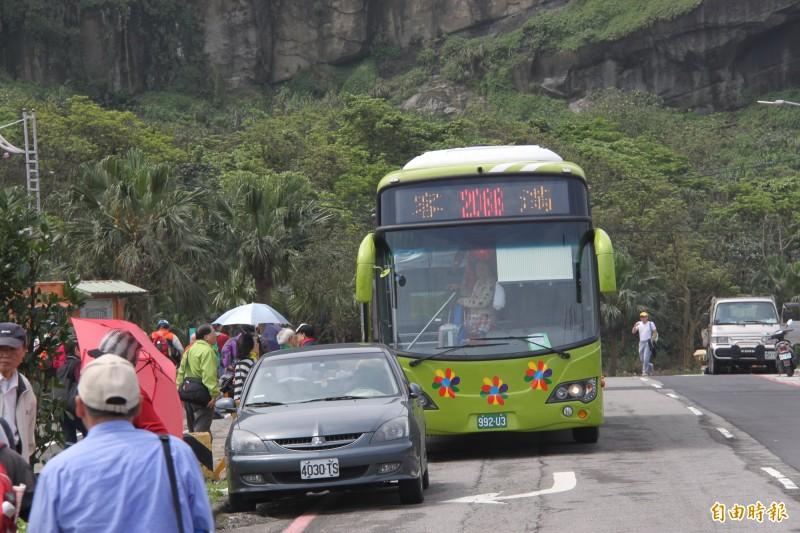基隆、台北市第3條快捷公車,預計9月上路,圖為基北第一條快捷公車2088。(記者林欣漢攝)
