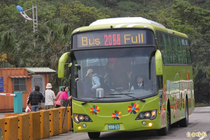基隆、台北市第3條快捷公車,預計9月就能通車。圖為基北第一條快捷公車2088。(記者林欣漢攝)