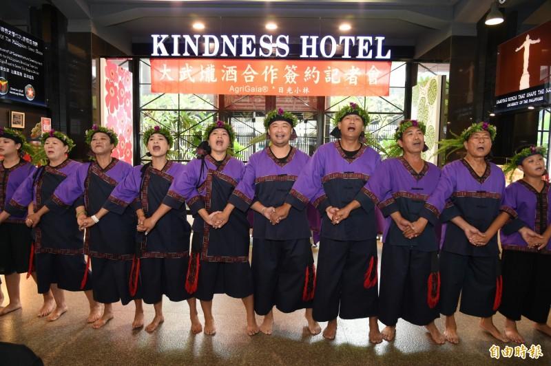 日光小林社區發展協會帶來傳統祭典儀式。(記者張忠義攝)