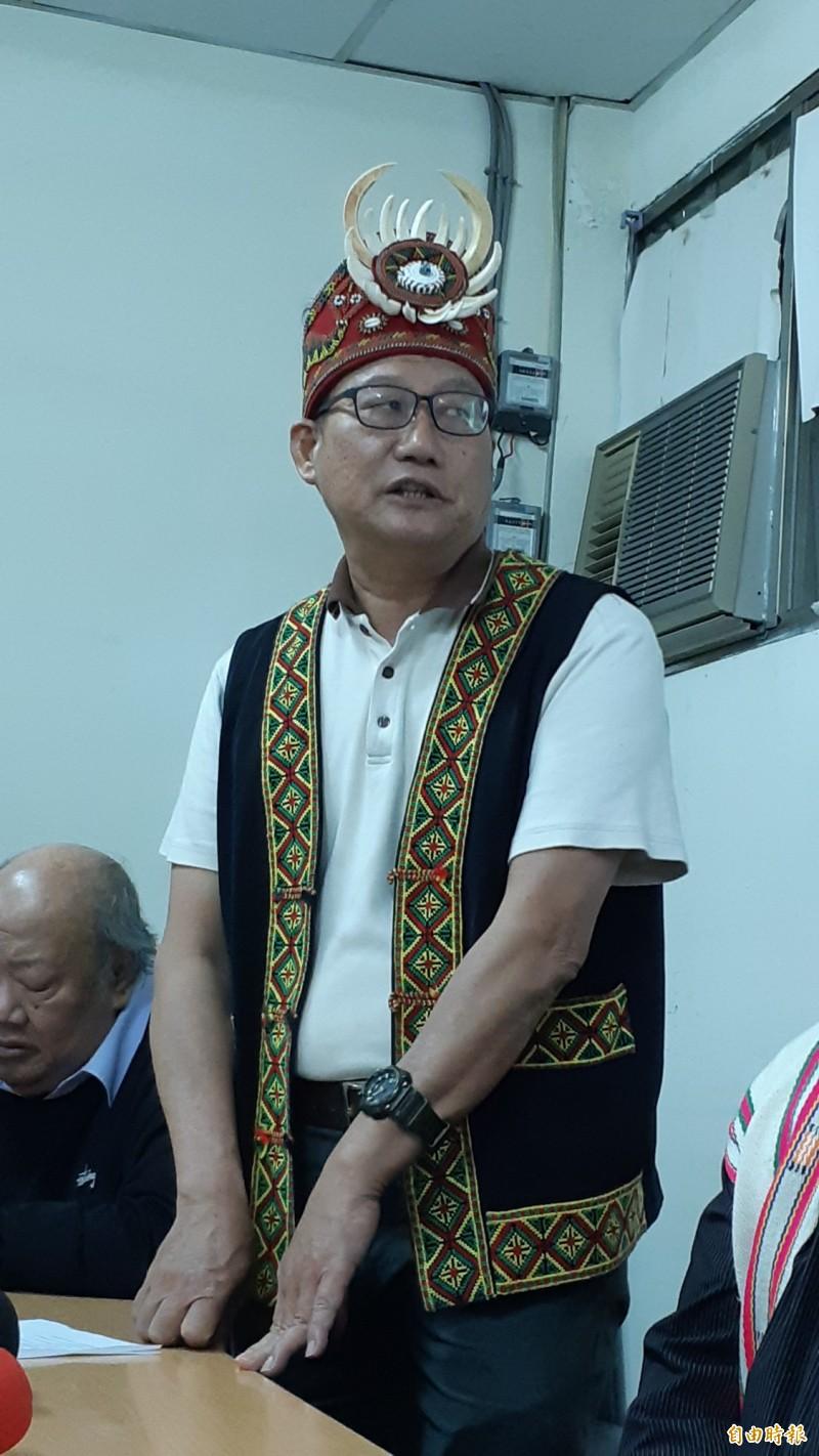 劉烱錫反對啟用焚化爐。(記者黃明堂攝)