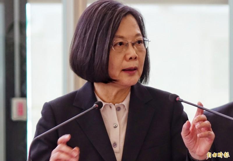 蔡總統呼籲,台灣需要走向世界,全國人民不管你是台灣派、中華民國派或中華民國台灣派,都希望大家一起加油推動,讓台灣走向世界。(記者姚介修攝)