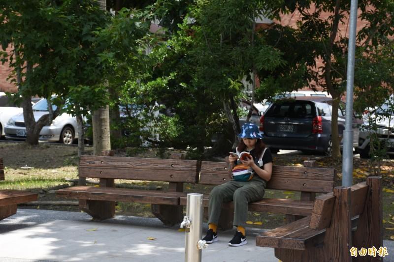 雲林縣府推動微冊角落,讓閱讀成為日常,成為風潮。(記者林國賢攝)