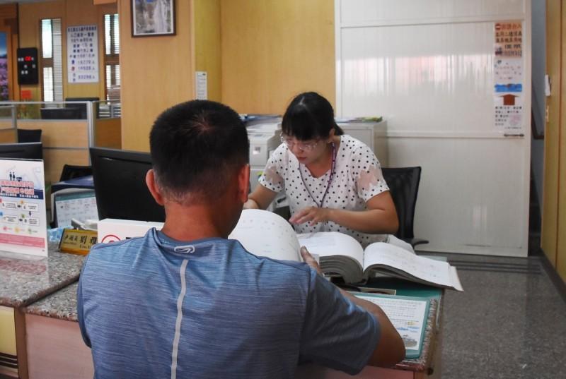 從8月3日起,北斗戶政事務所中心所將納入週六延長服務據點。(記者陳冠備攝)