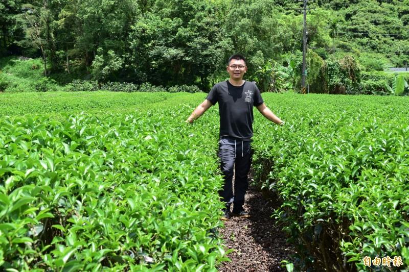 冬山鄉茶農游正福,將白鷺紅茶與啤酒結合,小麥香結合茶葉果香味,希望幫白鷺紅茶找出路。(記者張議晨攝)