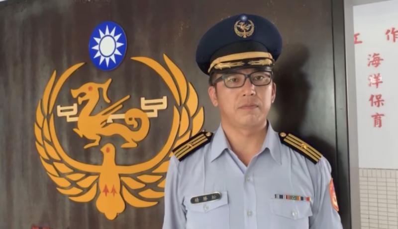 海巡署北部分署第八岸巡隊副隊長楊勝松説明。(記者陳恩惠翻攝)