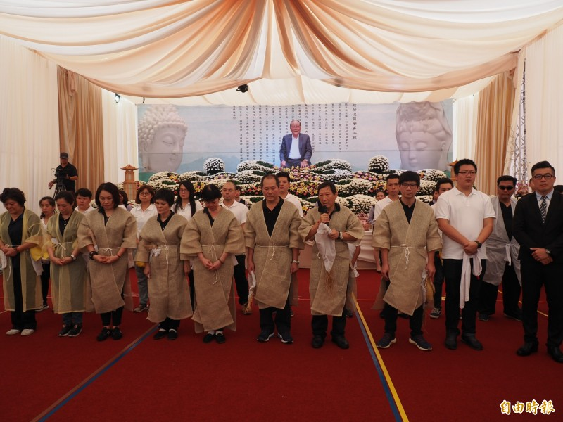 吳家家族在台東成就非凡,吳丁伏告別式場面盛大。(記者王秀亭攝)