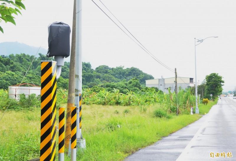 南化的測速固定桿,新設於台20線41公里,與台3線共線路段。(記者吳俊鋒攝)