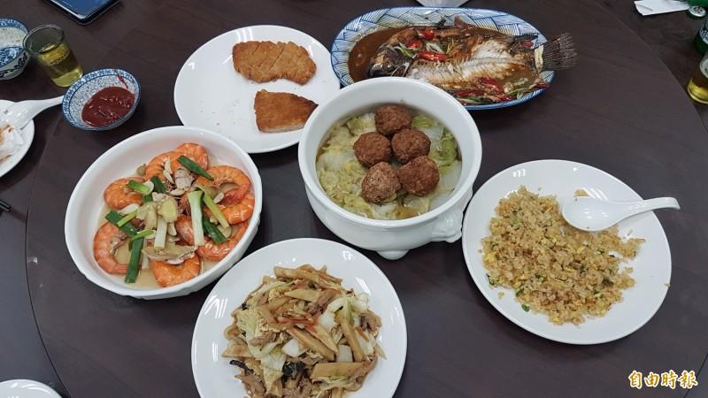 「馬家莊眷村私廚料理餐廳」的料理有媽媽的味道。(記者丁偉杰攝)