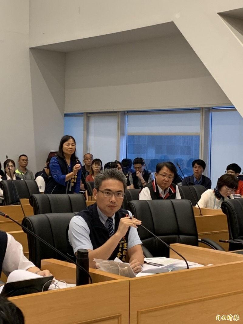 運動局長李昱叡強力解釋希望提案通過。(記者唐在馨攝)