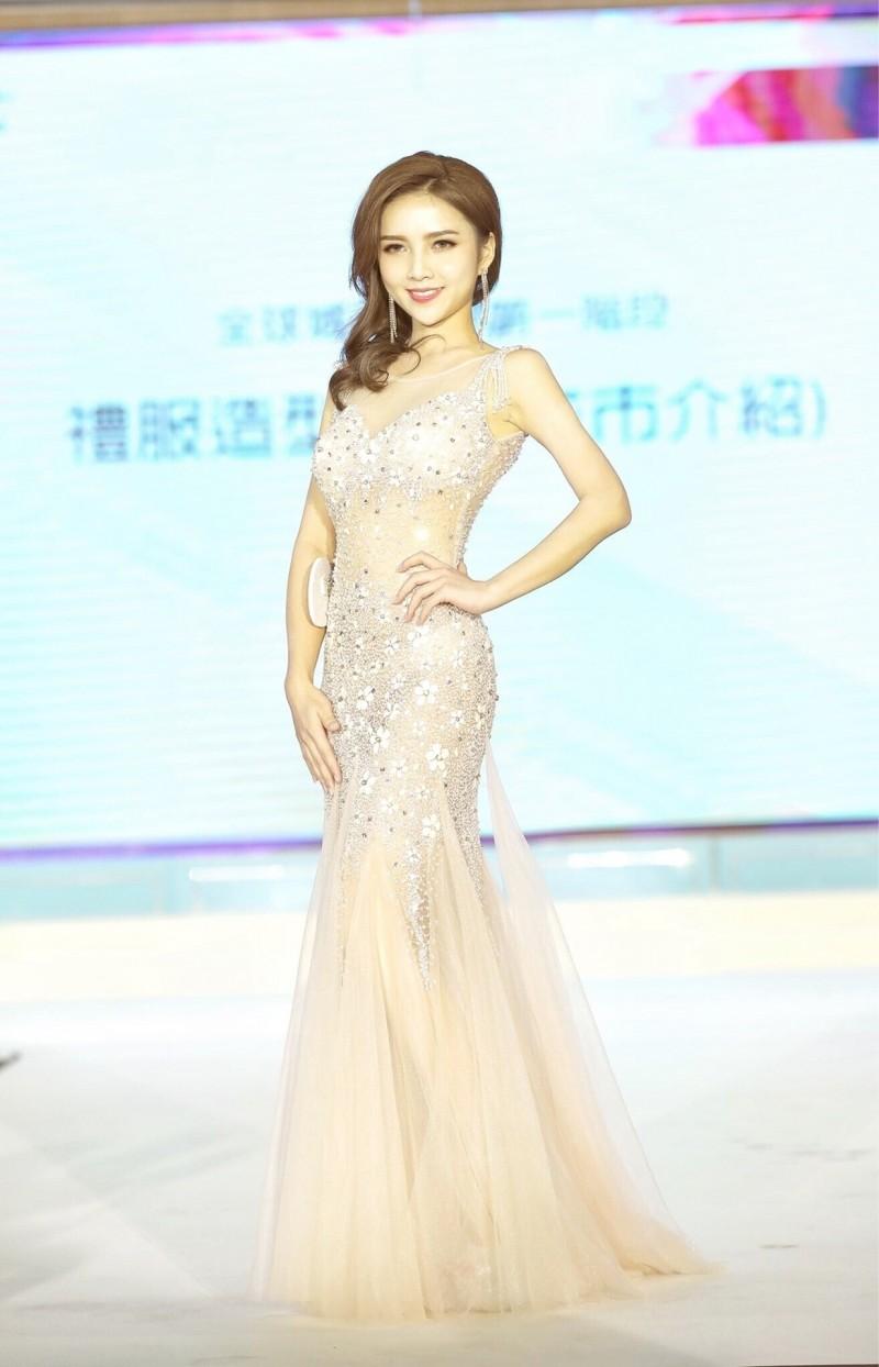 劉宜欣在全球城市小姐選拔獲台灣區第2名及最佳人氣王。(劉宜欣提供)