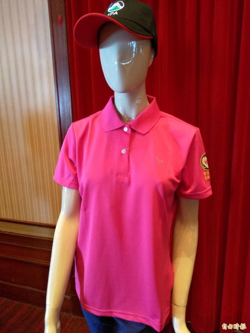 環保署規劃發具排汗功能的工作襯衫,讓清潔隊員在比較舒適環境工作。(記者劉力仁攝)