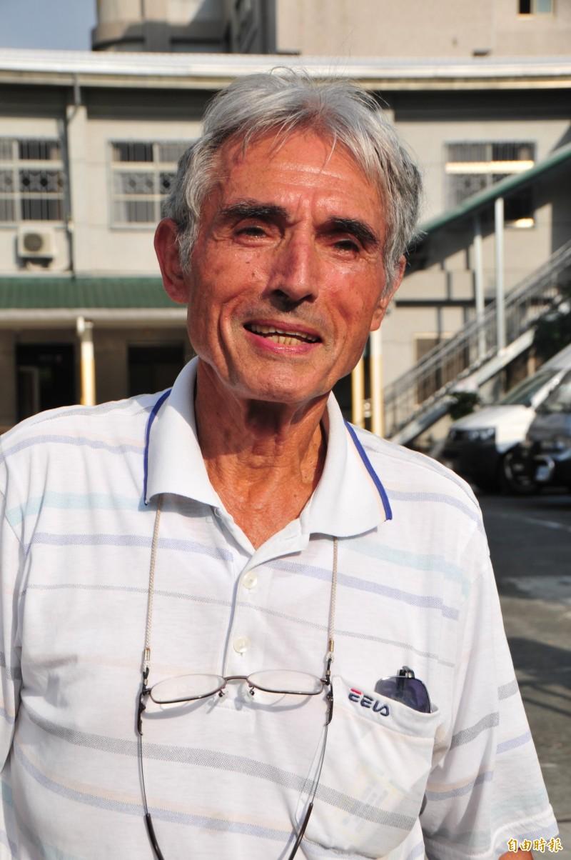 劉一峰神父在台灣服務超過50年,背景是他經營多年的玉里鎮安德啟智中心。(資料照,記者花孟璟攝)