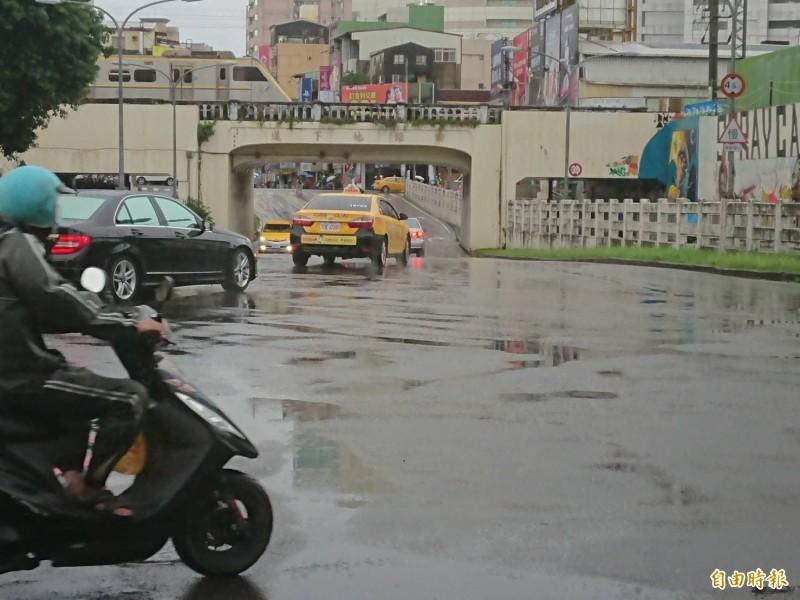 台南市府宣布明(14)日照常上班上課。(記者洪瑞琴攝)