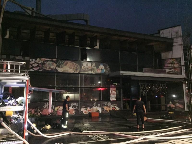 色鼎今晨再傳火警,嘉義市消防局人車趕往,將火勢撲滅。(記者王善嬿翻攝)