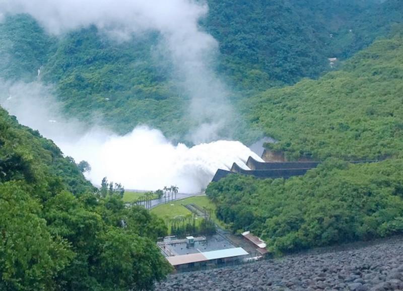 總放流4.96億立方米,接近1座曾文水庫蓄水量。(記者吳俊鋒翻攝)