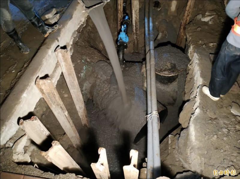 台水二合一工程提前完工,台中停水區下午5時全面恢復供水。(記者蔡淑媛攝)
