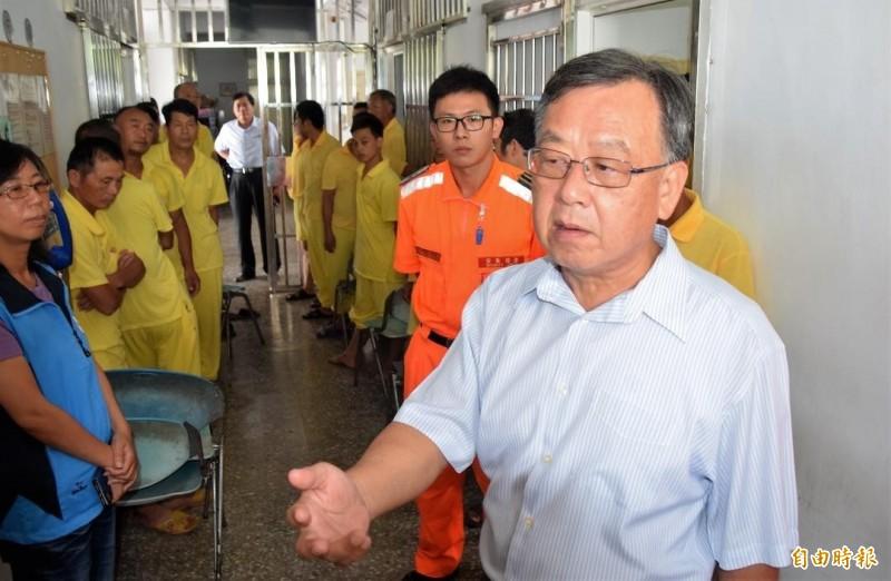 賴峰偉再度擔任導師角色,向中國船員勸說不要越界捕撈。(記者劉禹慶攝)