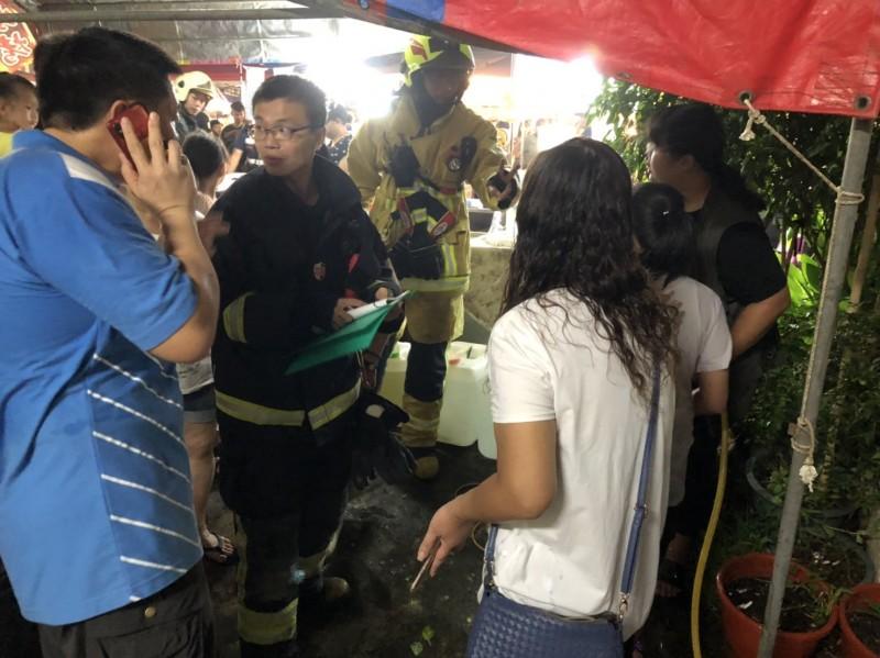 嘉義縣民雄傳瓦斯行氣爆,6名男女送醫。(民眾提供)