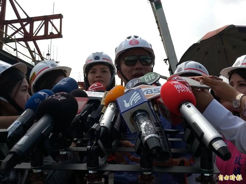 白鹿颱風逼近,韓國瑜今天說會留守高雄。(記者王榮祥攝)