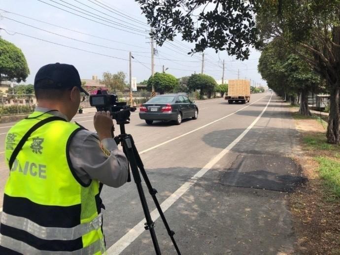 南市警方將從九月五日起展開交通大執法第二彈─取締駕駛超速專案。(記者王俊忠翻攝)