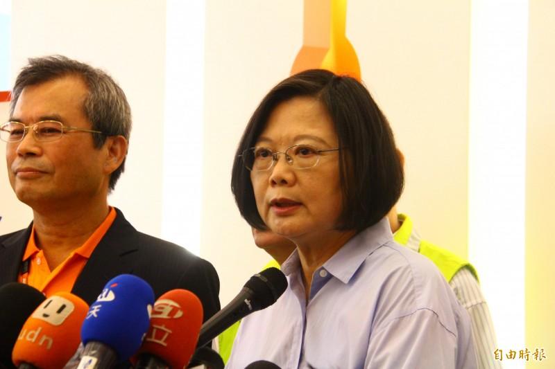 挽救李孟居,蔡英文表示,目前陸委會及海基會透過既有管道及其他方式,盡一切力量掌握和協助。(記者邱書昱攝)
