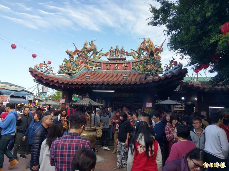 南投竹山紫南宮香火鼎盛,台北市長柯文哲預計中秋節當天將前來參香。(資料照)
