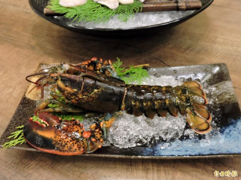波士頓龍蝦令人食指大動。(記者張菁雅攝)