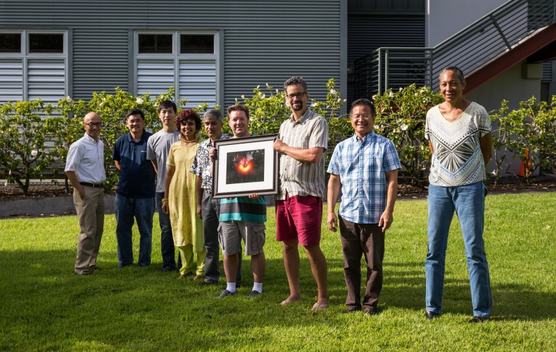 中研院天文所參與的跨國EHT計畫今年不但取得史上第一張黑洞影像,本月更獲得有科學界奧斯卡獎之稱的基礎物理突破獎。(中研院天文所提供)