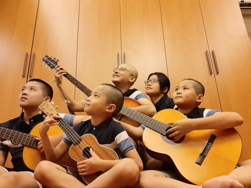 呂光頭家族大樂團,一家人多才多藝,將於靈鷲山慈善音樂演出。(靈鷲山台中講堂提供)