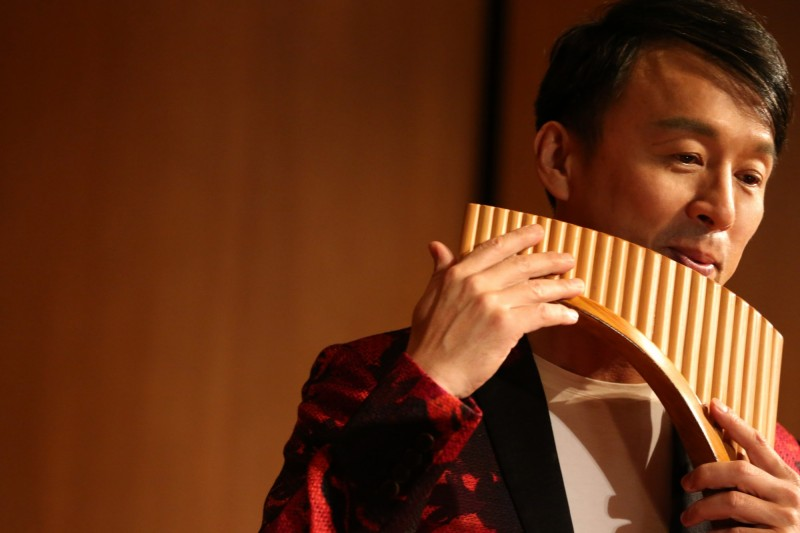 排笛王子張中立將在音樂會中,演奏多首耳熟能詳曲子。(靈鷲山台中講堂提供)