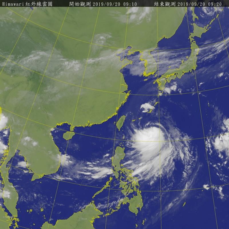 輕颱塔巴外圍環流影響台灣天氣。(取自氣象局網站)