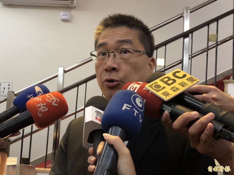 內政部長徐國勇上午總質詢前接受媒體聯訪。(記者陳昀攝)